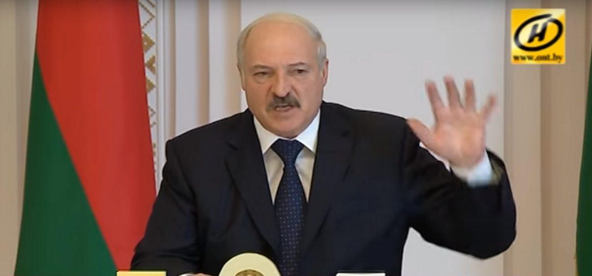 Лукашенко снял с должности министра спорта и министра лесного хозяйства