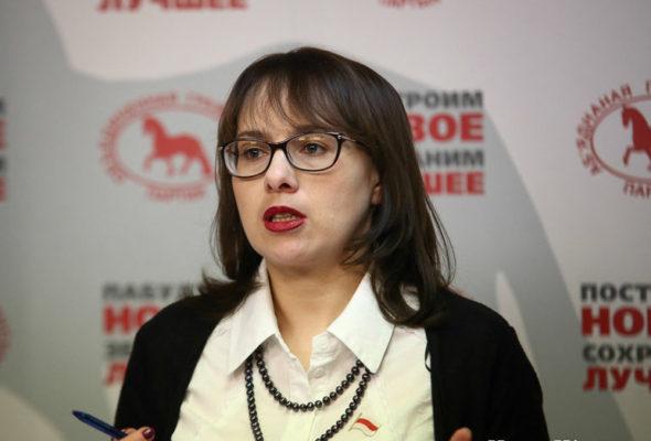 Депутат от оппозиции предложила белорусам присылать вопросы министрам
