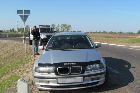 В Слуцке парень решил подвезти голосующую девушку и остался без автомобиля
