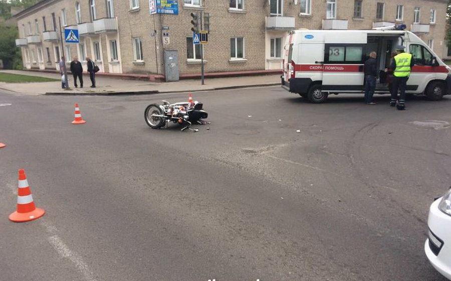 В Барановичах автобус столкнулся с мотоциклом