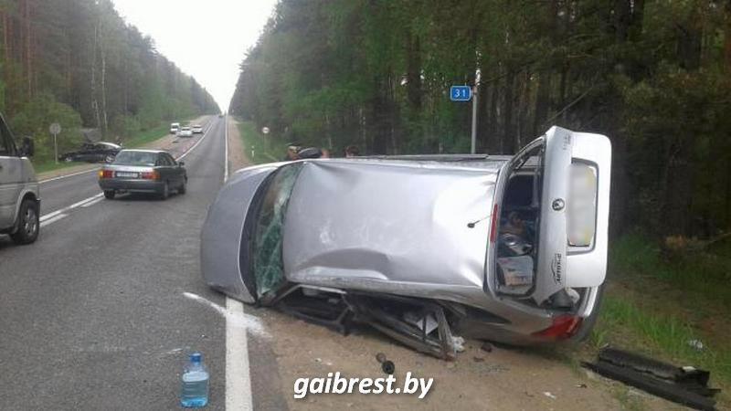 Под Барановичами столкнулись три автомобиля
