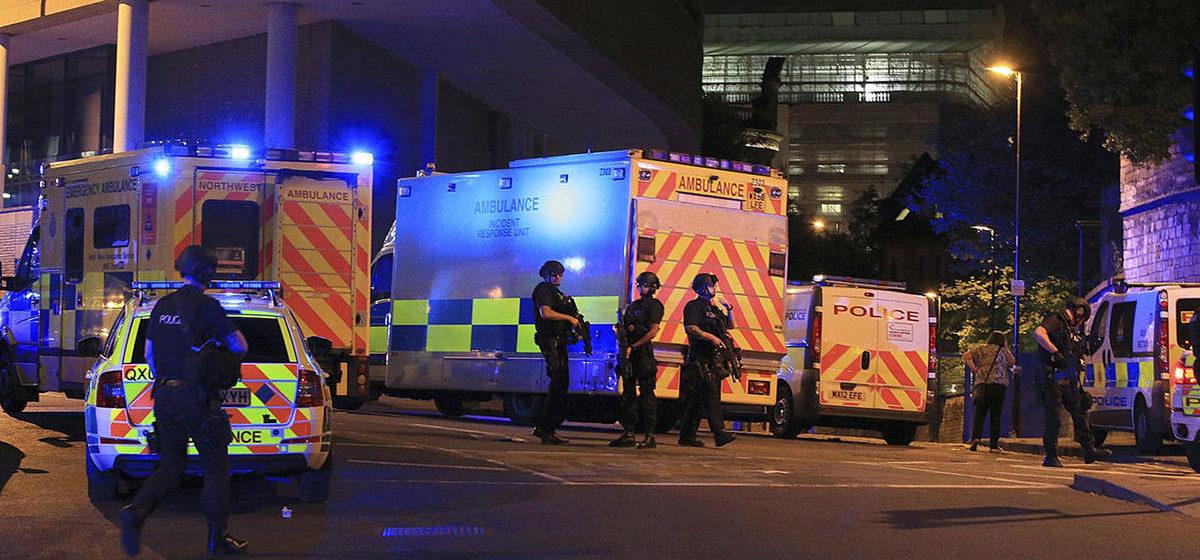 На стадионе в Манчестере во время концерта произошел взрыв, 22 погибших, десятки раненых