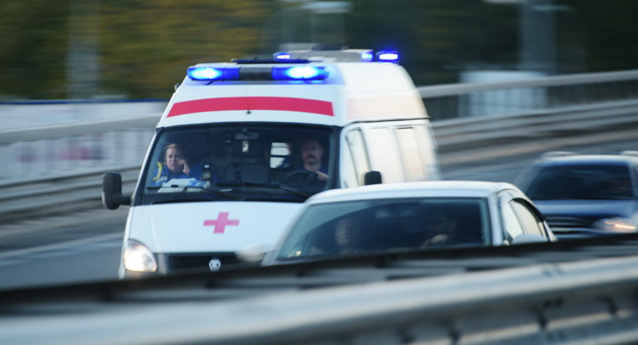 В Минске мужчина, делая селфи, упал с моста на МКАД
