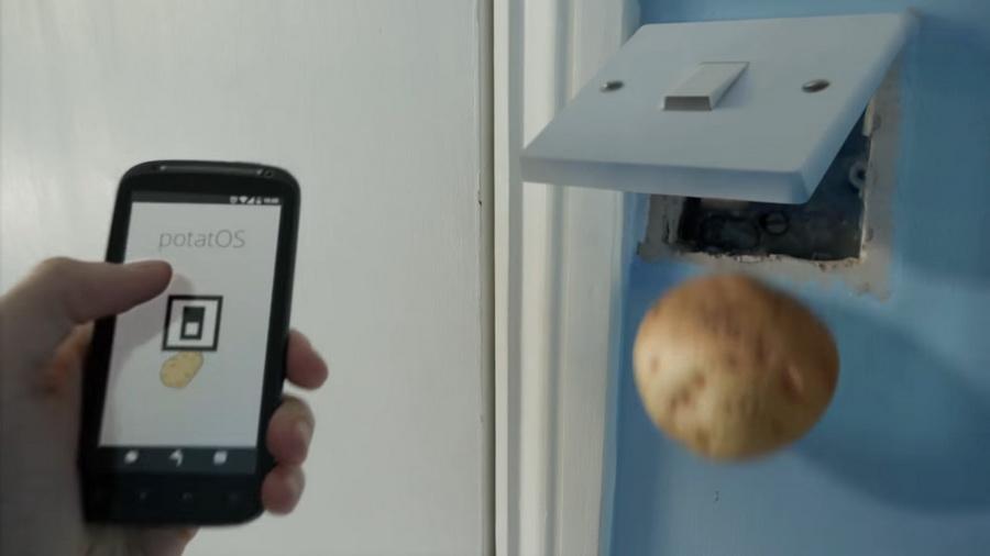 Картофельный дом в видеоролике британского режиссера сравнили с Беларусью