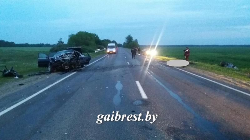В лобовой аварии в Ивановском районе погибли два водителя, пассажир одного авто попал в реанимацию