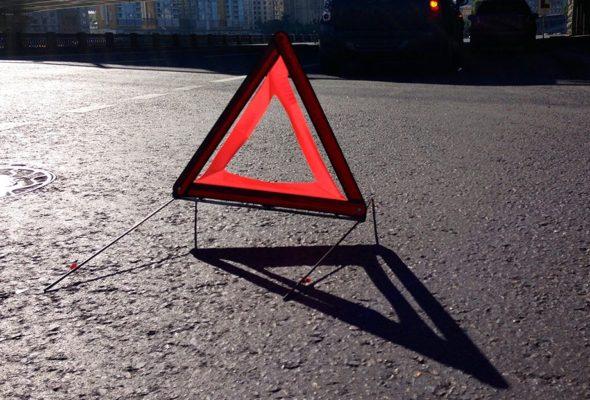 В Барановичах автомобиль сбил девушку, которая выбежала на дорогу за собакой