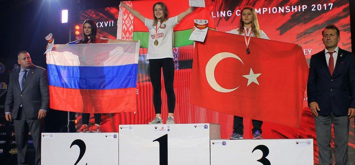 Студентка из Барановичей завоевала золото на чемпионате Европы по армрестлингу