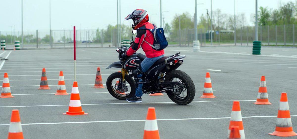 Экзамен для мотоциклистов: зачем его усложнять и почему это сложно сделать