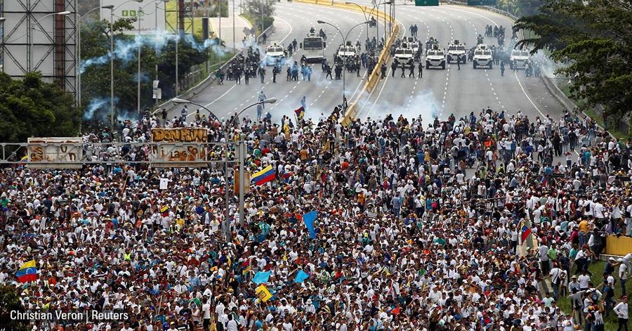 Что происходит в Венесуэле: голодные бунты, убийства демонстрантов и узурпация власти