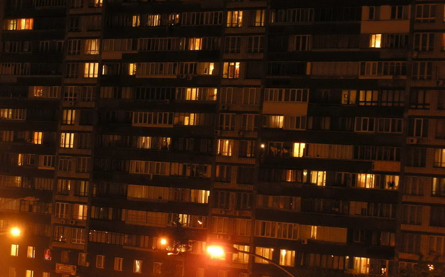 В Санкт-Петербурге пьяный белорус выпал с седьмого этажа