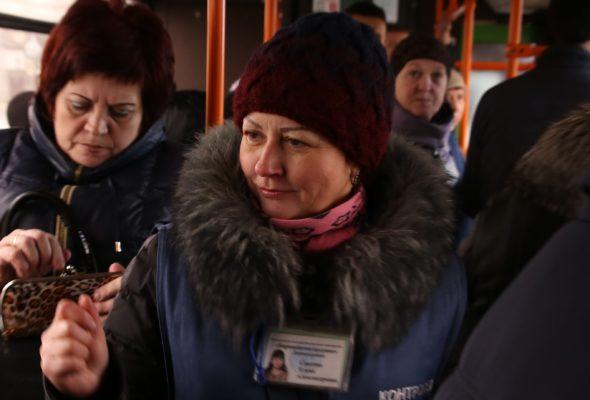 Барановичские контролеры автобусов готовят сладкие сюрпризы ко Дню защиты детей