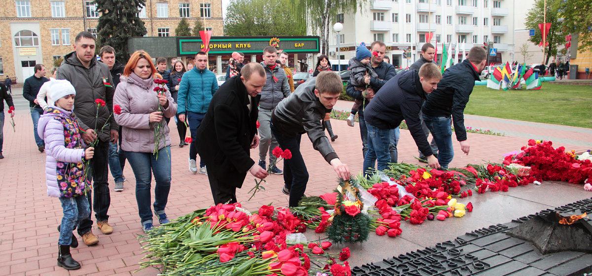 В Барановичах прошел автопробег, приуроченный ко Дню Победы