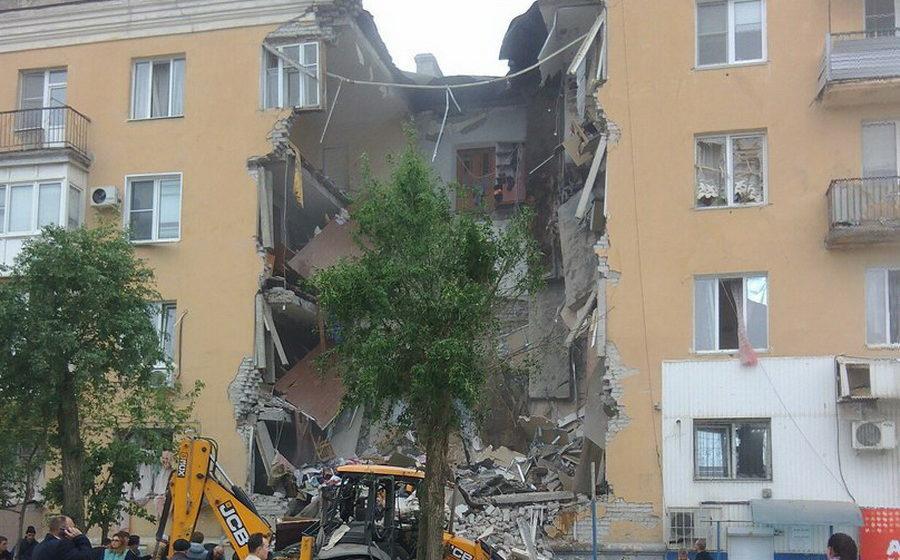 В Волгограде из-за взрыва бытового газа обрушилась часть жилого дома, есть жертвы