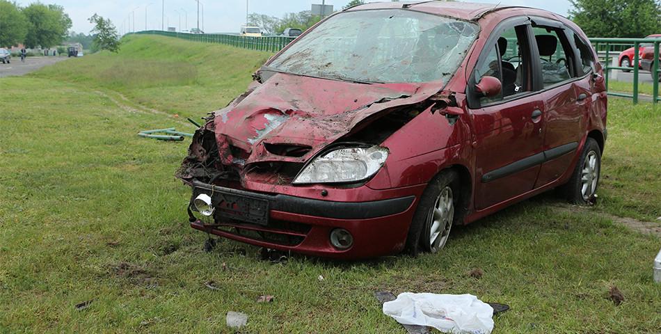 В Лунинце произошло ДТП с участием пьяного сотрудника милиции – один пассажир попал в больницу