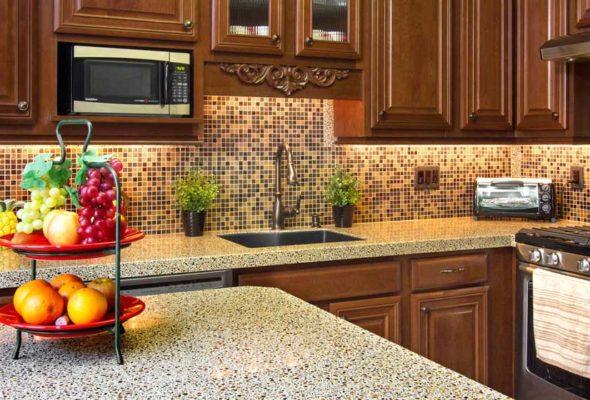 Отличный вариант для оформления кухонной рабочей зоны