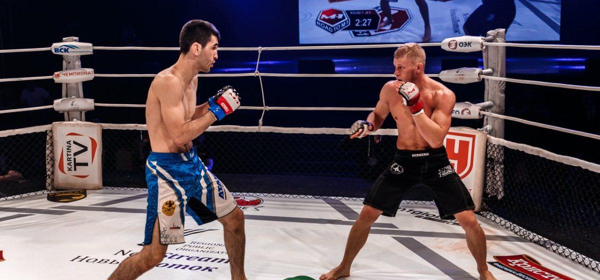Боец из Барановичей выиграл поединок за право участвовать в боях M-1
