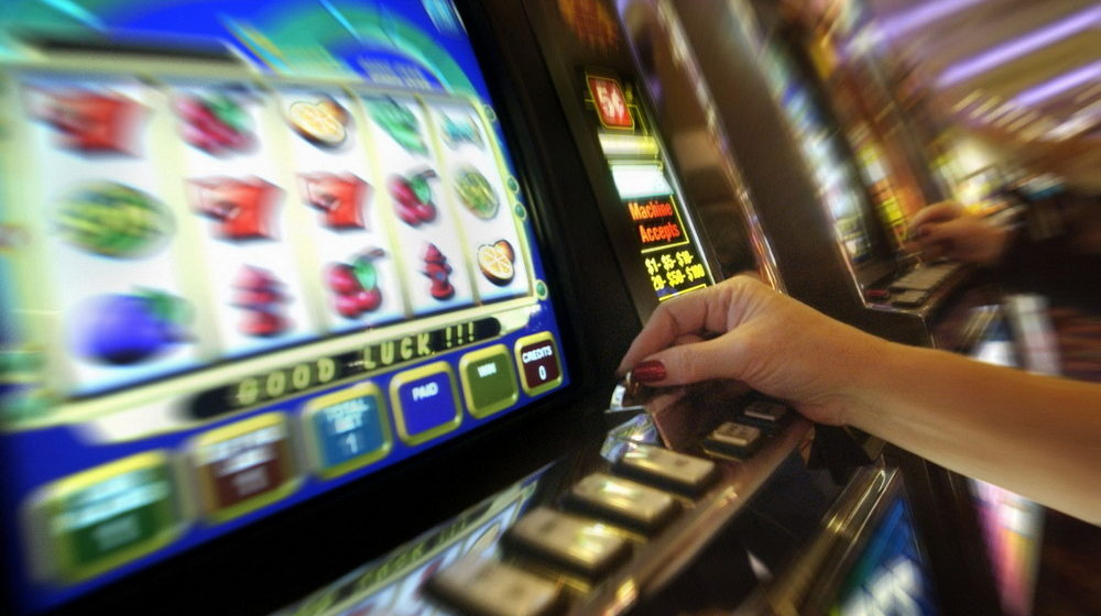 Мошенники из Беларуси и России похитили из казино Минска больше 100 тысяч долларов