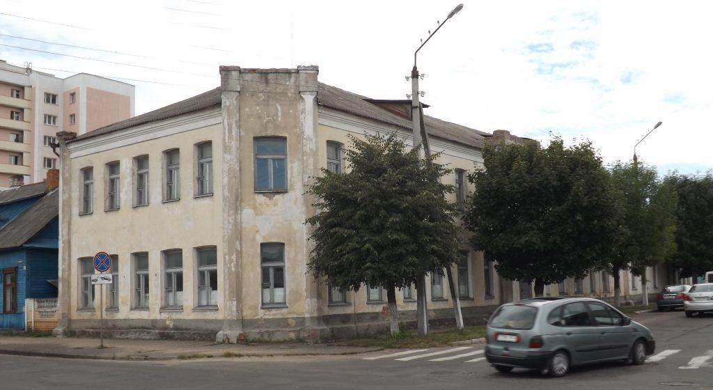 Здание бывшего УПК в Барановичах выставили на аукцион с 50% скидкой