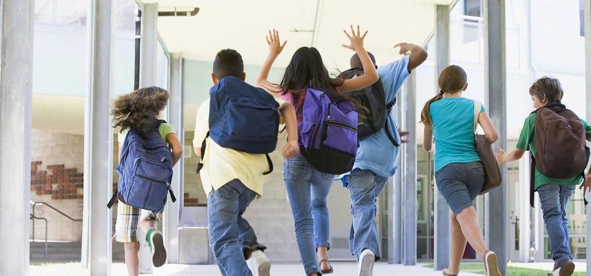 В белорусских школах сократят перемены из-за переноса начала занятий на девять утра