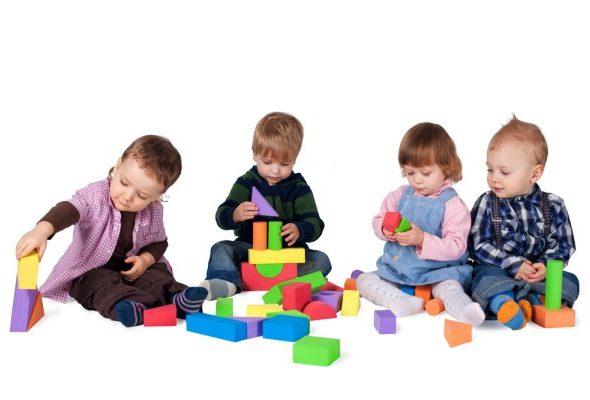 Настольные забавы и развивающие игрушки: максимальная польза от игры