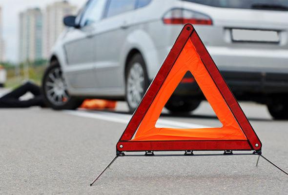 В Барановичах ослепленный солнцем водитель сбил на пешеходном переходе девушку
