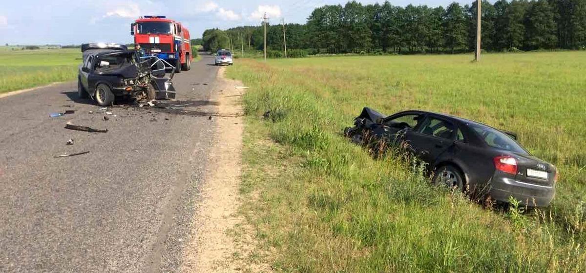 Под Ивацевичами пьяный бесправник на BMW лоб в лоб врезался в Audi