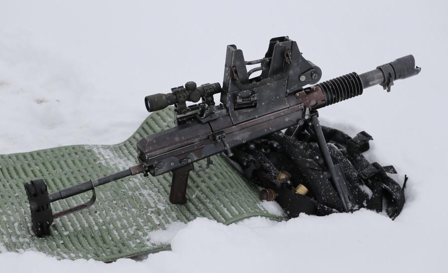 В Беларуси разработали уникальный ручной автоматический гранатомет для спецназа
