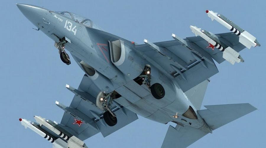 Беларусь планирует закупить еще четыре учебно-боевых самолета Як-130