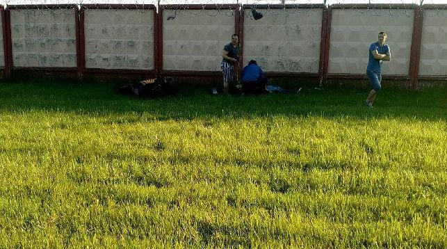 В Новополоцке мотоциклист врезался в стену заводской проходной