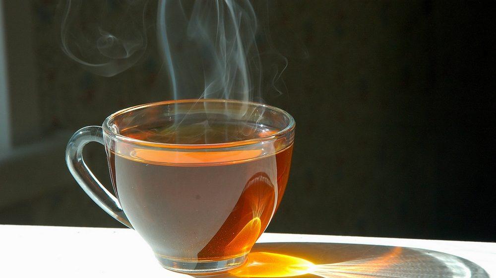 В Речице годовалая девочка опрокинула на себя кружку с горячим чаем и попала в реанимацию