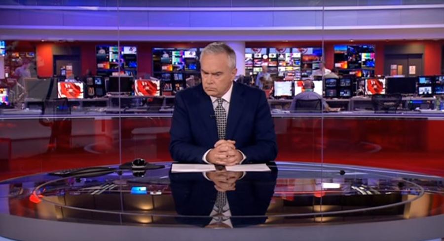 Ведущий BBC несколько минут безмолвно просидел в прямом эфире вечерних новостей (видео)