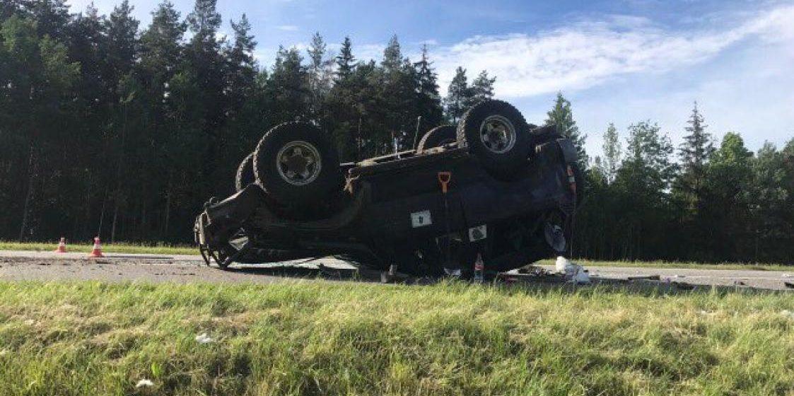 Под Минском опрокинулся Land Cruiser: пассажир вылетел из салона и погиб
