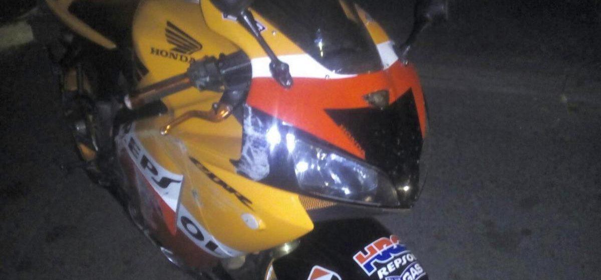 В Дрогичине девушка упала с мотоцикла во время ночных покатушек