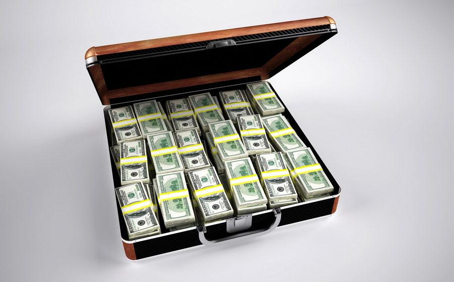 Подозреваемого, который украл из ГУБОПиК $270 тысяч, ищут через Интерпол