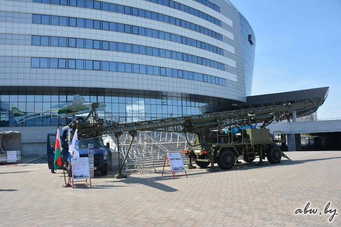Барановичский авиазавод показал катапульту для беспилотника