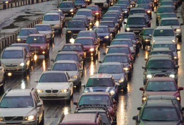 В ГАИ рассказали, сколько водителей оштрафовали за невключенный днем свет фар