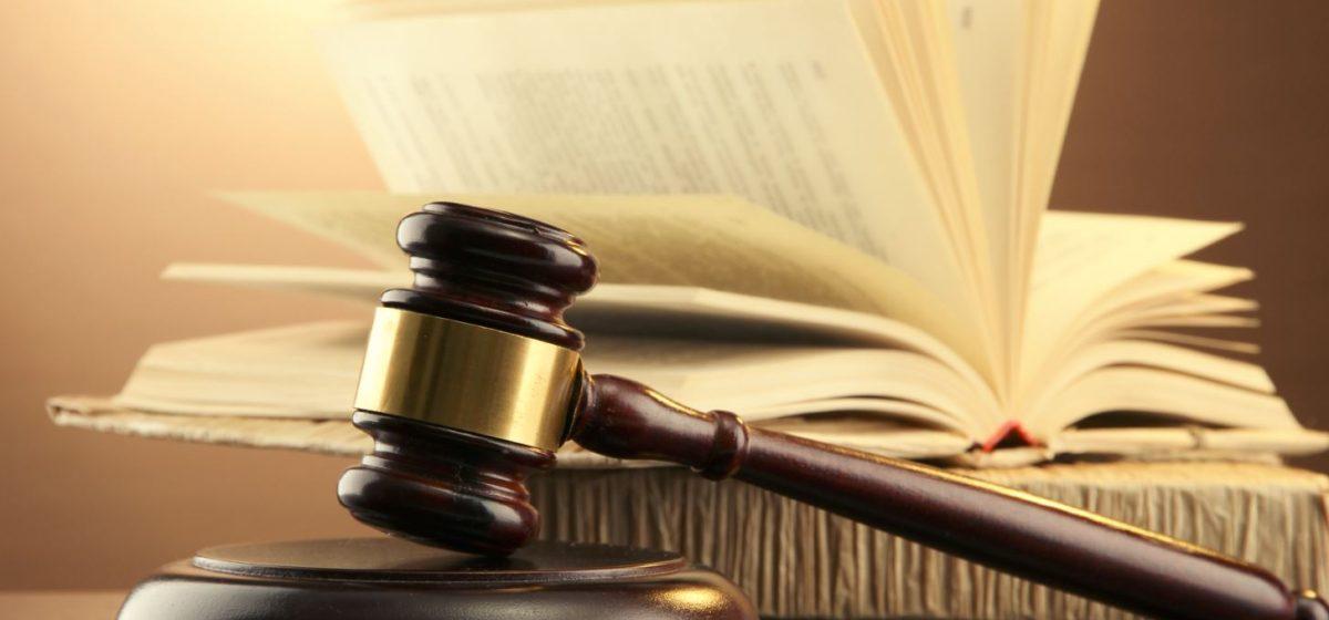 Осудили жителя Барановичей, который убил своего друга за то, что тот ленился на работе