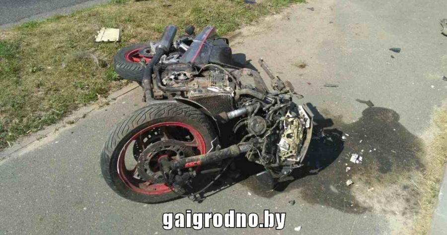 В Дятлово в ДТП разбился мотоциклист