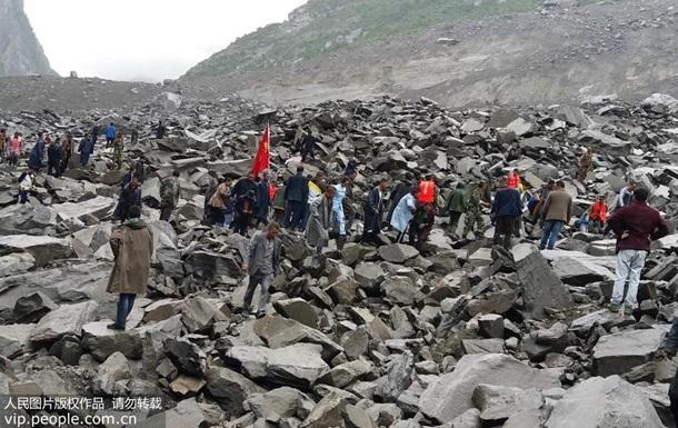 Оползень в Китае: под завалами около 200 человек