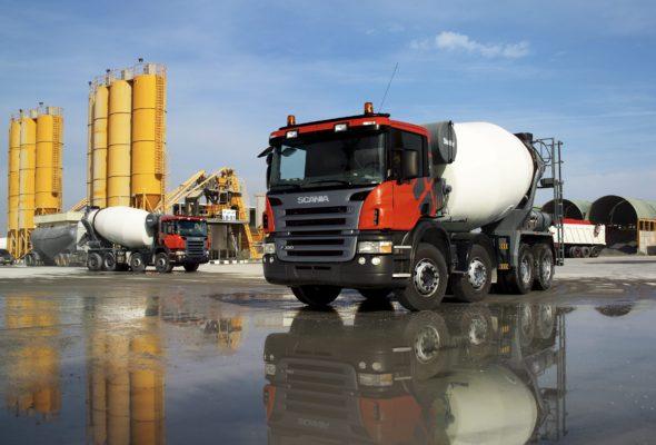 Как осуществляется доставка бетона на строительную площадку?