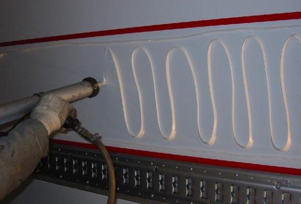 Системы подачи герметиков и клеев Graco