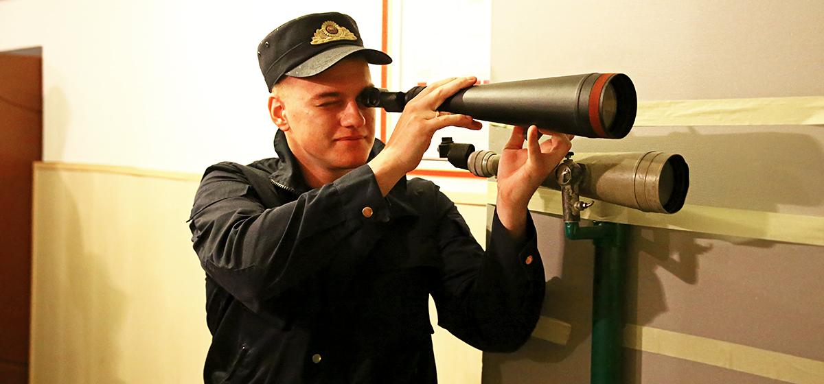 В Барановичах следователи состязаются в стрельбе, плавании и беге