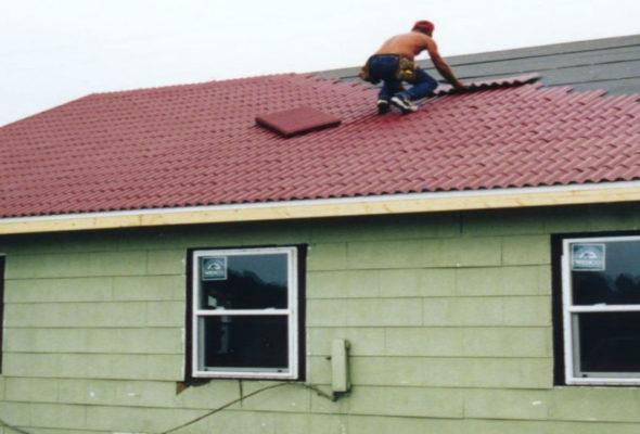 Ондулин – хорошая крыша для любых построек