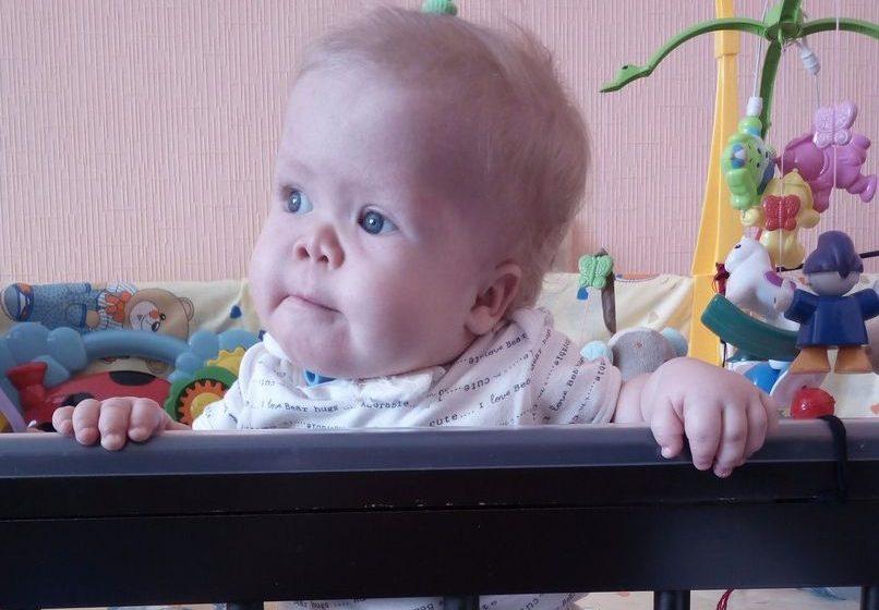 В Барановичах годовалой Кристине Швед требуется операция, которая позволит ей самостоятельно дышать