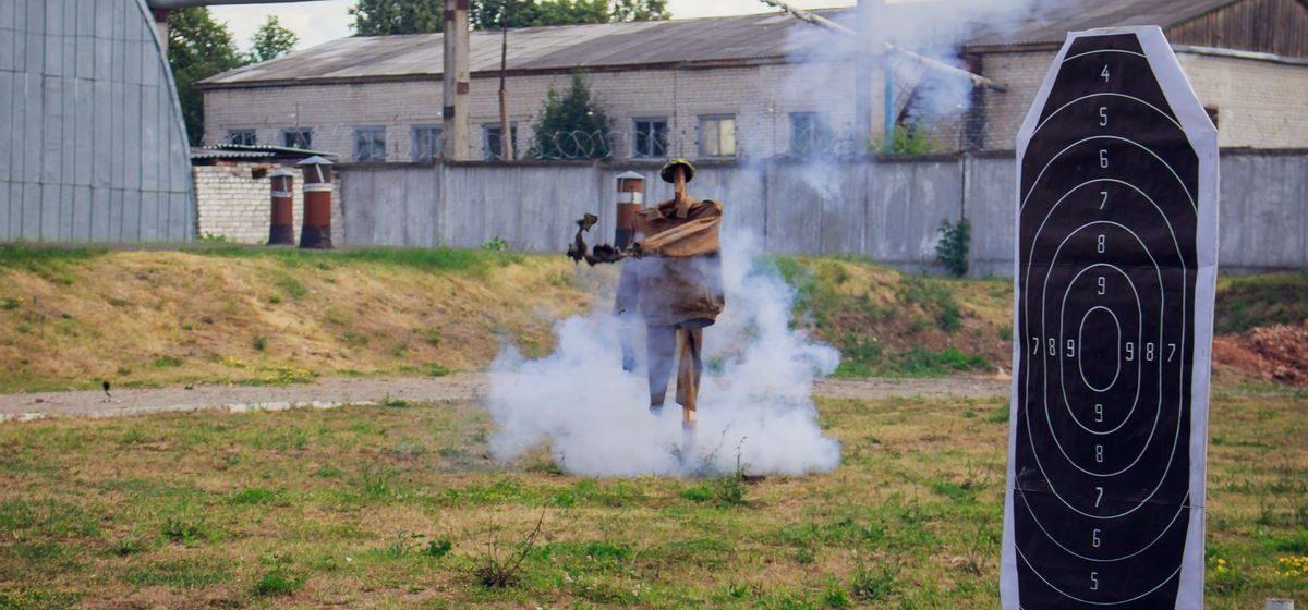 Собаки, взрывпакеты и автоматы: в войсковой части 7404 в Барановичах начался второй «семестр»