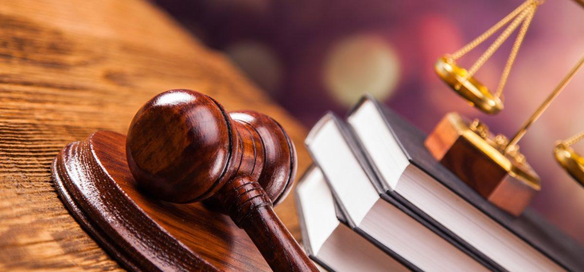 Осудили трех жителей Барановичей, которые избили милиционера