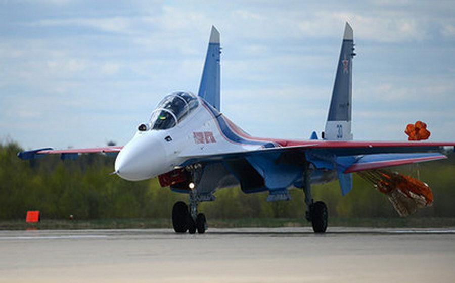 В 2019 году в Беларусь поставят первую партию тяжелых многоцелевых истребителей Су-30СМ