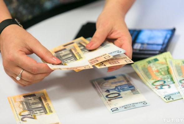 Средняя белорусская семья живет на 983 рубля в месяц
