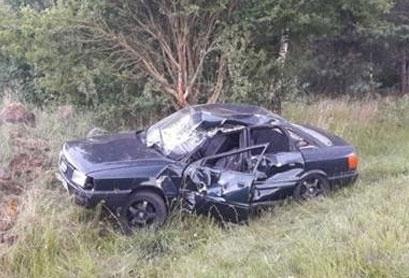 Под Слонимом перевернулась Audi, 18-летний водитель в реанимации