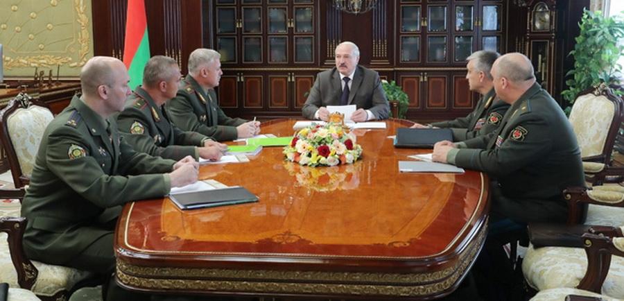 Александр Лукашенко считает, что в Беларуси проблемы с дисциплиной